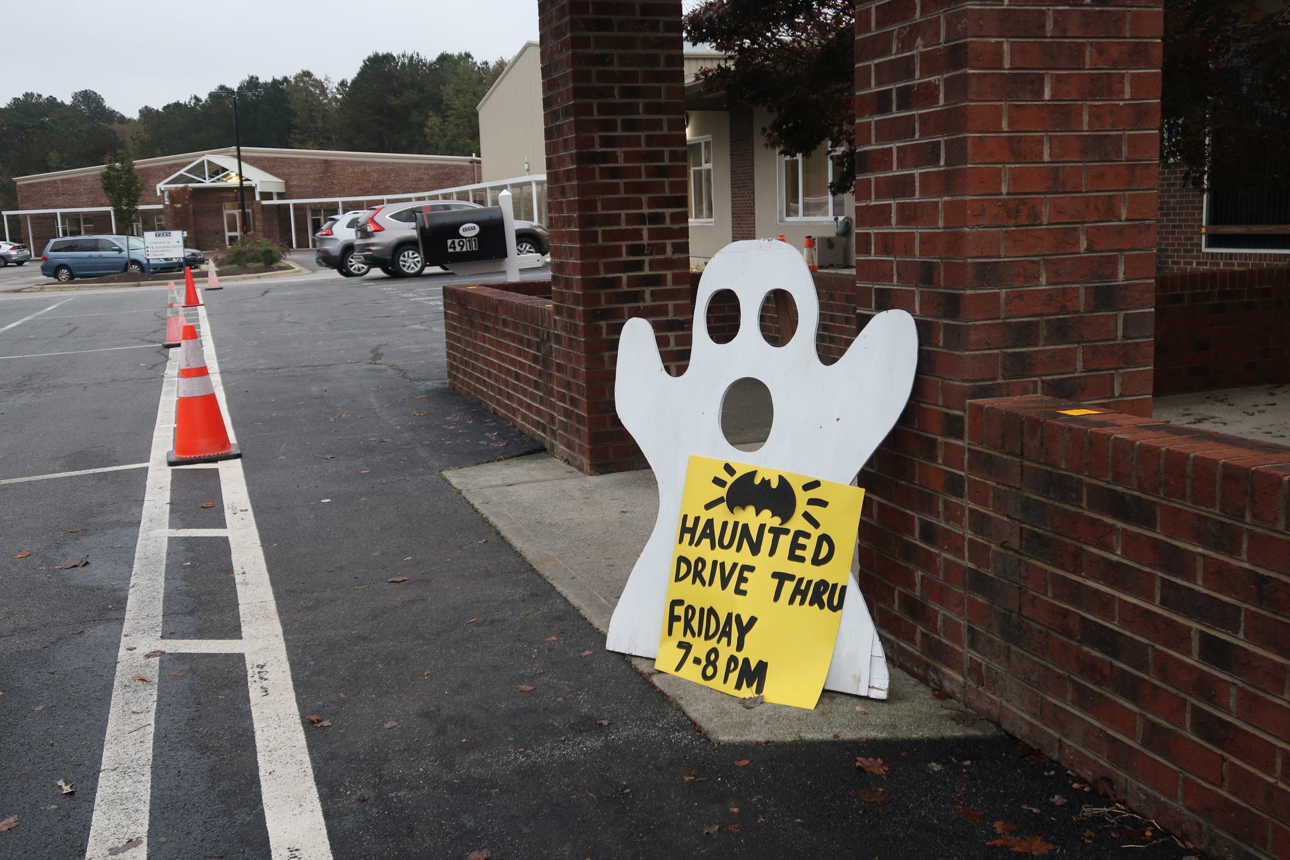 Halloween Haunt sign